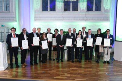 Die Gruppe der Nominierten; 1. von li: Vertreter der Voith Gmbh Heidenheim